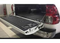 Амортизаторы багажника на Mitsubishi L200 (2015-)