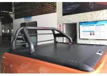 Крышка рольставни с черной дугой ROLLER LID для Toyota Hilux Revo (2015-2021)