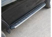 Боковые алюминиевые пороги с пластиковой накладкой для Fiat Fullback (2016-)
