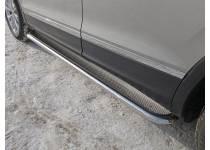 Пороги с площадкой (нерж. лист) 42,4 мм для Vokswagen Tiguan (2017-)