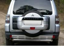 Защита заднего бампера d76 для Mitsubishi Pajero 4 (2012-2013)