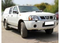 Пороги с накладным листом d76 для Nissan NP300 (2010-)