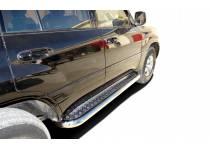 Пороги с накладным листом d76 для Toyota Land Cruiser 100 (1997-2008)