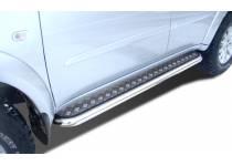 Пороги с накладным листом d60 для Mitsubishi Pajero Sport (2008-2012)