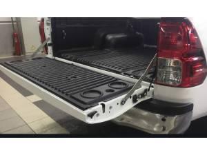 Амортизаторы багажника на Fiat Fullback (2016-)