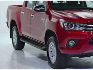 Пластиковые пороги под оригинал на Toyota Hilux Revo (2015-2021)