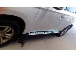 Боковые пороги OEM STYLE на Mitsubishi Outlander 2014