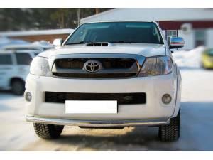 Защита переднего бампера d63 на Toyota Hilux (2011-2014)