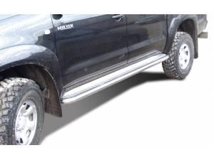Пороги с накладным листом d60 на Toyota Hilux (2006-2014)