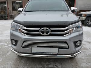Решетка бампера d16 на Toyota Hilux Revo (2015-2018)