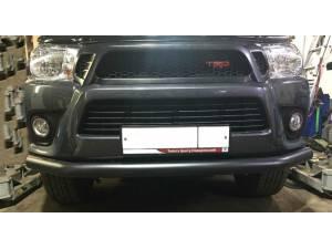 Защита переднего бампера d76, черная на Toyota Hilux Revo (2015-2018)