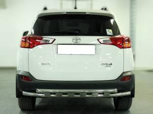 Защита заднего бампера d53 с доп. накладками на Toyota Rav4 (2013-2015)