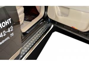 Пороги с накладным листом d53 на Nissan Pathfinder (2014-)